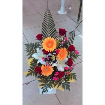 букет №5 из роз и лилий, с герберами
