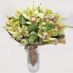Букет № 36 из фисташковой орхидеи