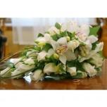 Букет невесты № 23 из белых роз и орхидей