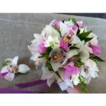 букет невесты № 24 из орхидей и фрезии