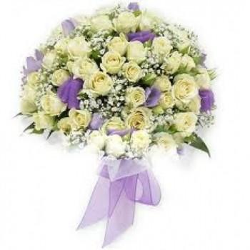 букет невесты № 25 из кустовых роз и эустомы