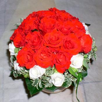 Букет невесты № 13 из красных и белых роз